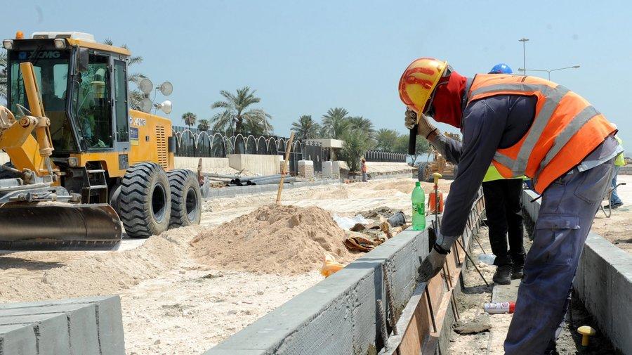 قطر توظيف رؤساء ومشرفي عمال وبنائين وحدادين وبلاطين ونجاري مسلح وعمال سقالة